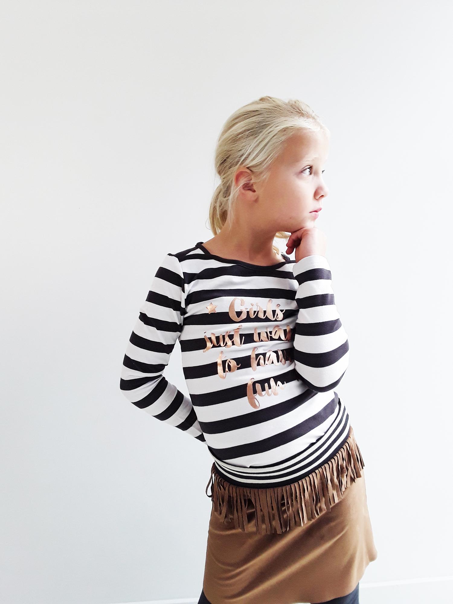A2-Top Suzan black stripe